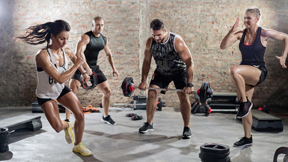 トレーニングは「ゆっくり」と「速く」のどちらが効果的?