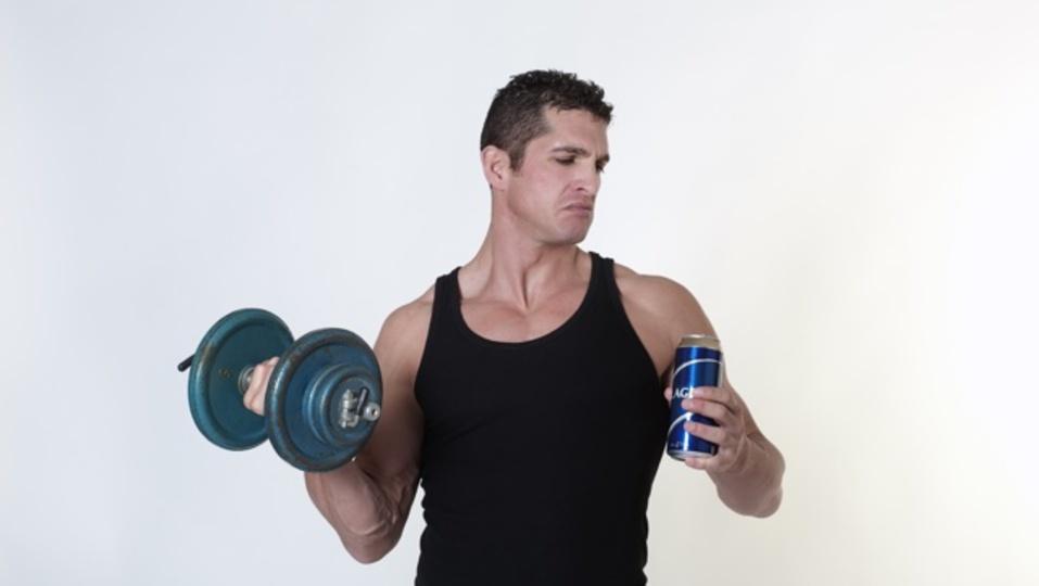 運動後にビールを飲んでもジムでの努力は無駄にはならない