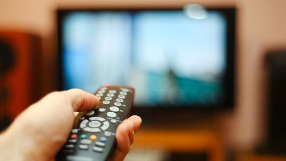 一生の間にテレビの番組表を見る時間はどれくらいか?