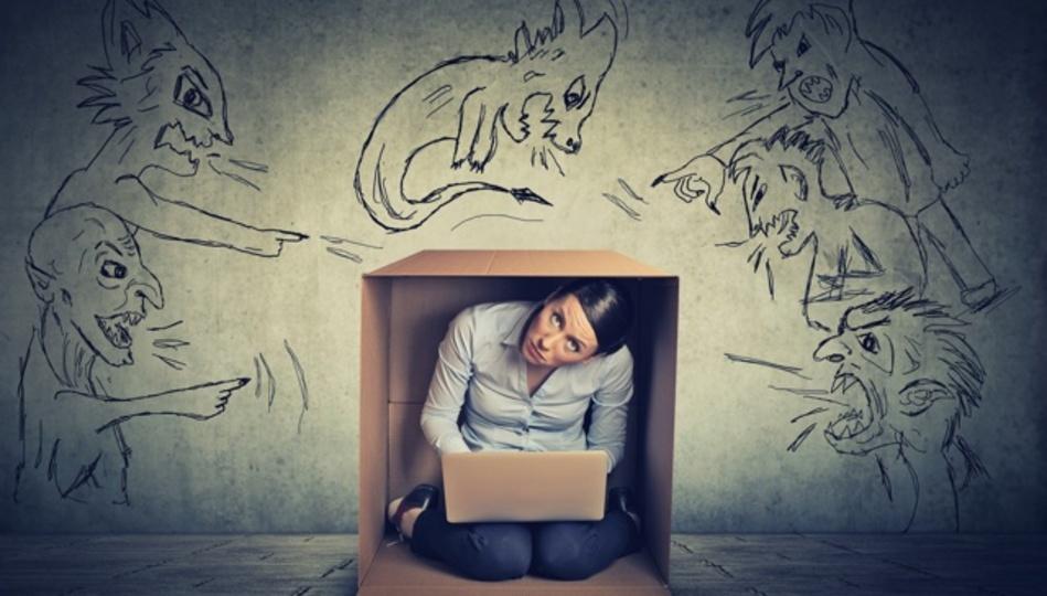 詐欺師症候群の症状を克服する3つの方法