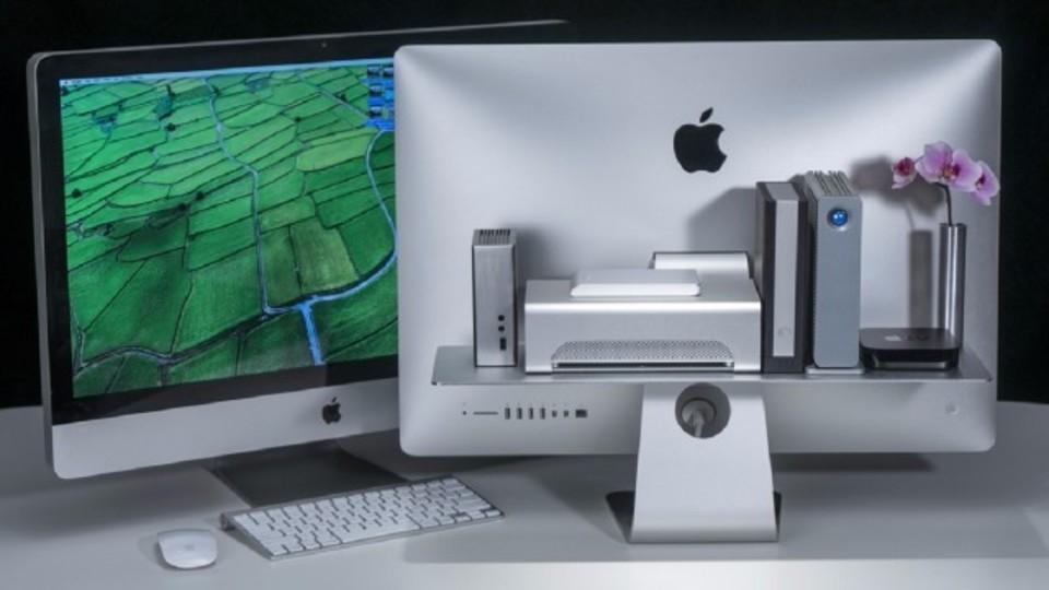 デスク周りの散らかりは「裏」にしまえ! iMacユーザー必見の収納棚