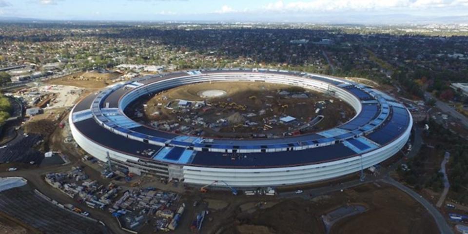 ドローン撮影によって、Appleの新本社の全景が見えてきた