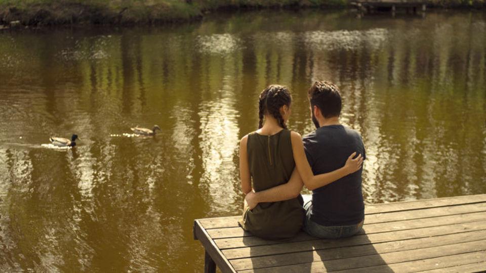 恋人との会話に上手に「からかい」を入れると関係が長続きする