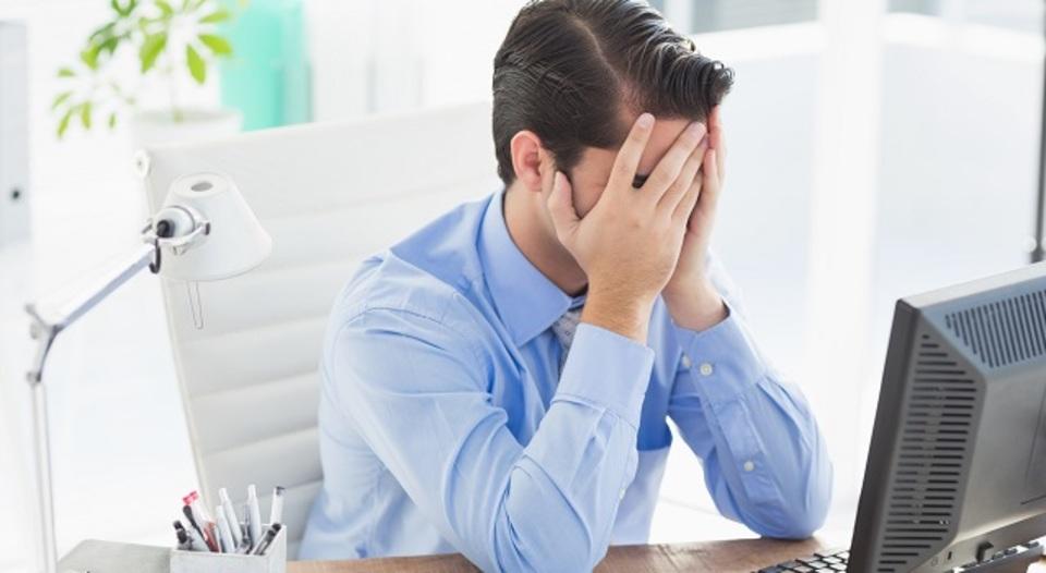 職場の話し声に気が散る理由と、その「対処法」