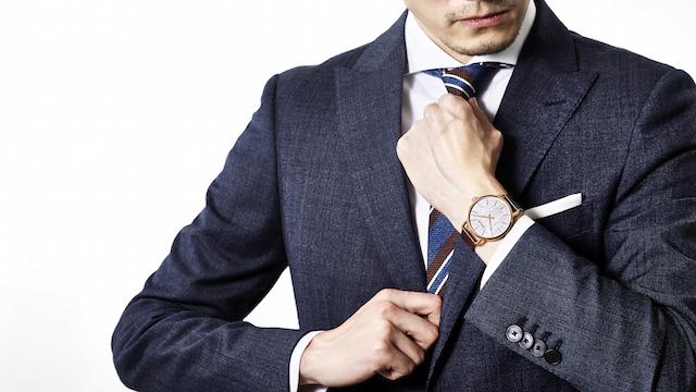 今さら聞けない!スタイリストに聞く、TPO別「腕時計」の身につけ方
