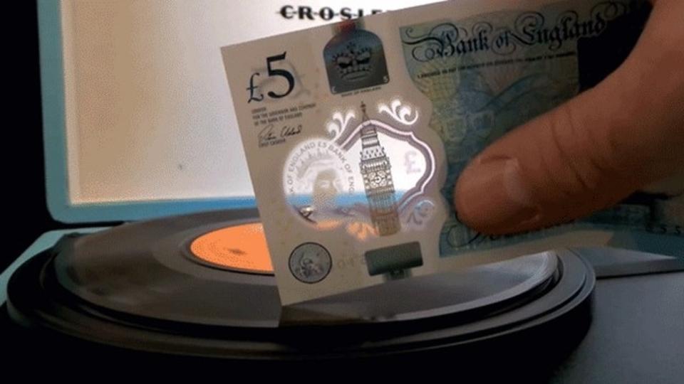 イギリスの新紙幣、動物性の油脂が使われていた。菜食主義者が抗議へ