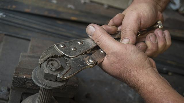 びくとも動かないボルトやナットを外す最終手段