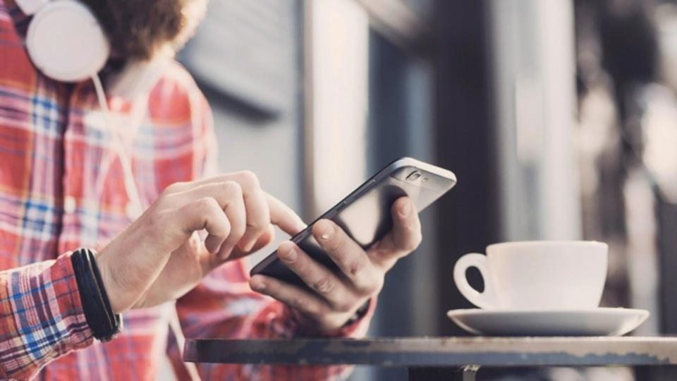 話題のアプリ「Tinder」で起こりうる詐欺とその対策