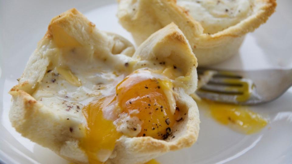 贅沢な週末のための、卵とチーズがとろける「クロック・マダム・マフィン」