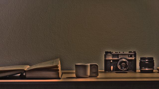 「暗い場所でもきれいな写真を撮る」のに使える身近なアイテム