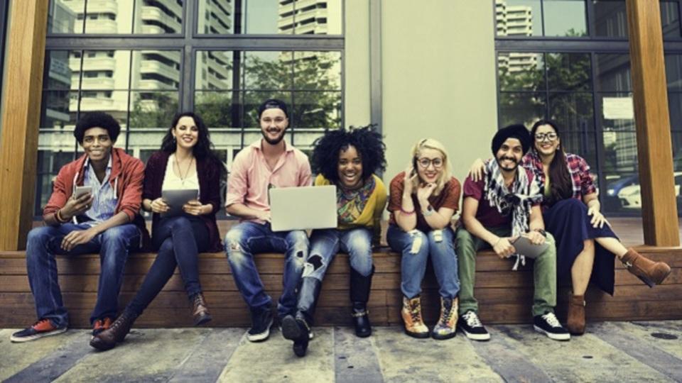 大学時代の友人ネットワークには「3つのタイプがある」:研究結果