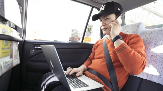ライフハッカー編集長が実践する、タクシー「ちょい乗り」仕事術