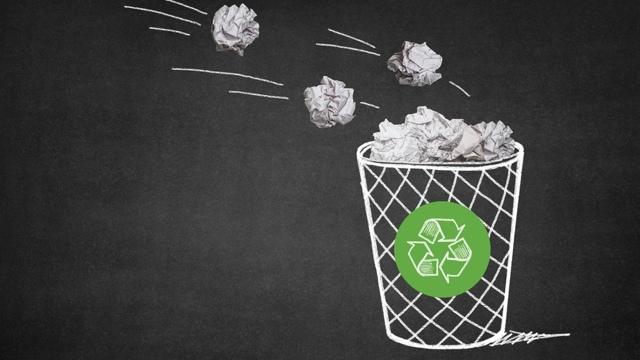 ゴミ袋がゴミ箱の中に落ちないようにするアイデア4つ