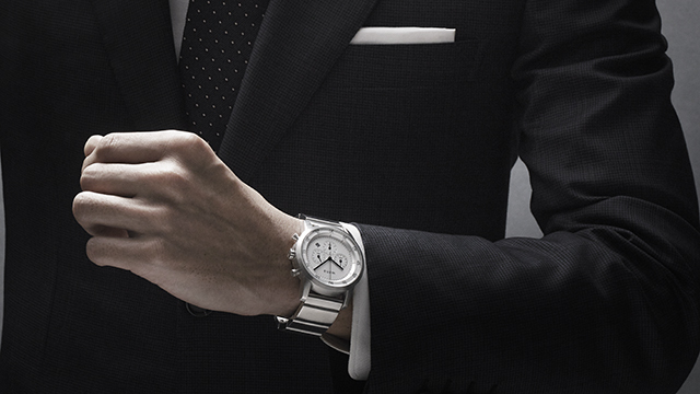 テクノロジーはバンドに託した。スーツにも似合うスマートウォッチ「wena wrist」とは?