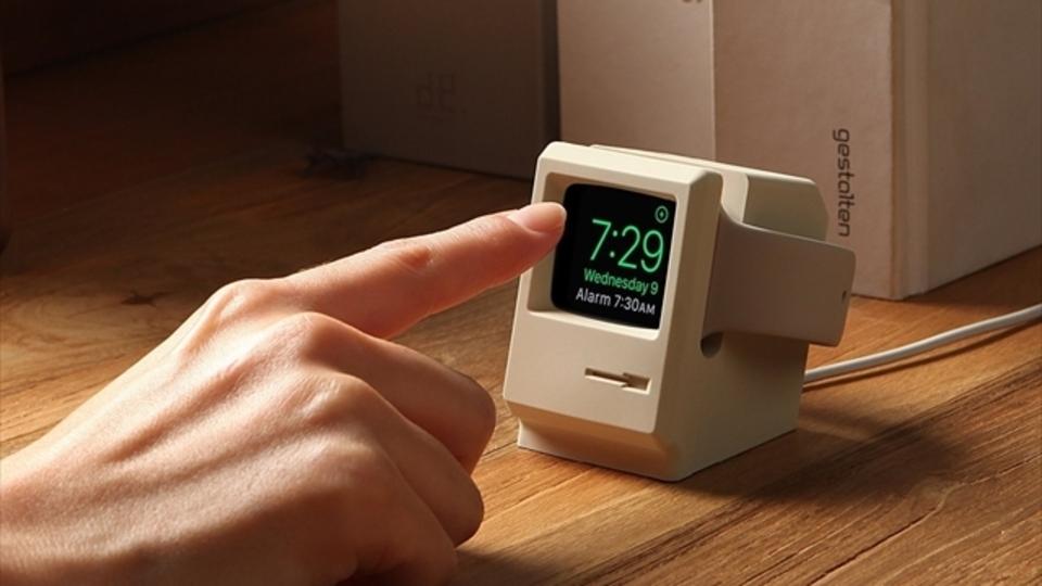 初代マッキントッシュ風のApple Watch専用充電器が登場