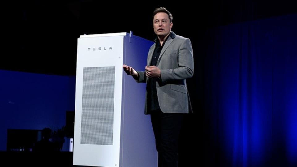 テスラの電力貯蔵設備が示す、エネルギー市場の未来