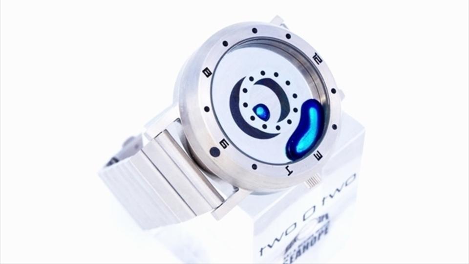 あの「液体金属」腕時計に3色のカラーバリエーションが新登場
