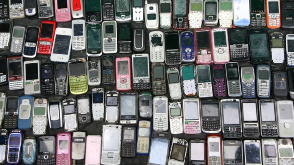 もはやAndroidとiOSがスマートフォン市場の99.6%を占めている