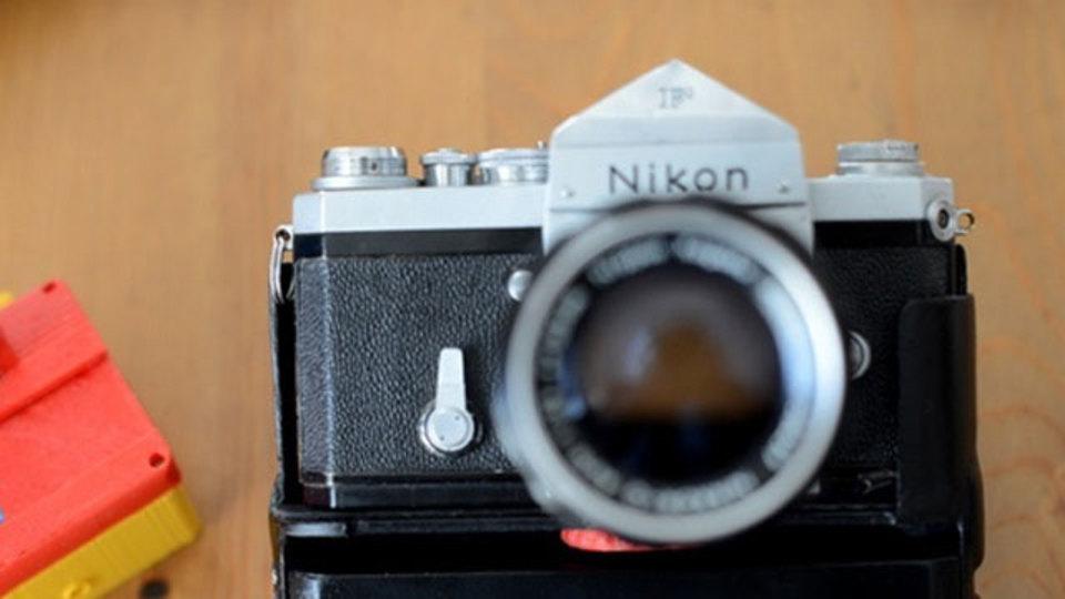 質感そのままに、フィルムカメラをデジタルカメラに変身させるガジェット