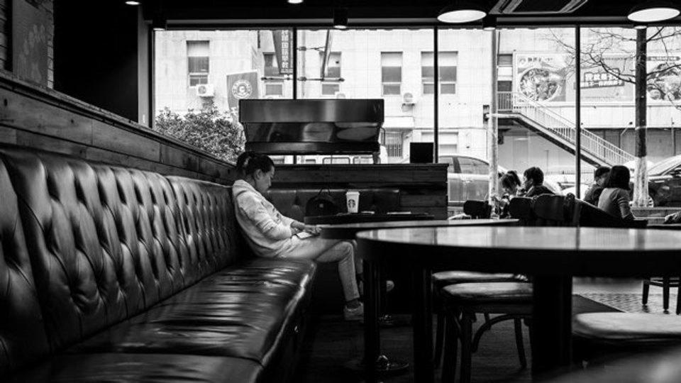 あなたの孤独感はソーシャルメディアのせいかもしれない:調査結果
