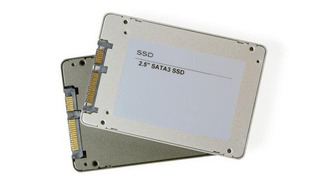 パソコンのSSDを安全に処分するには