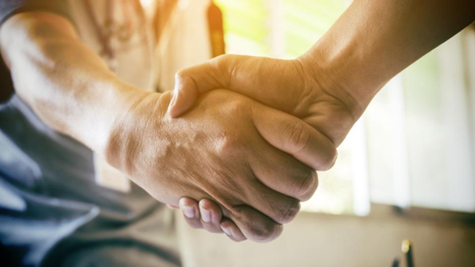 ビジネスアイデアを検証し、お金を払ってくれるお客さんを見つける方法