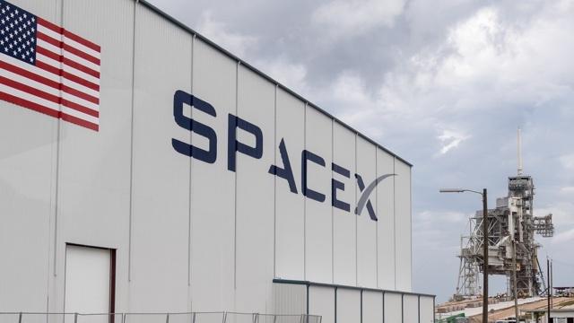 「ロケットの再利用」を可能にしたスペースX、次の目標は?