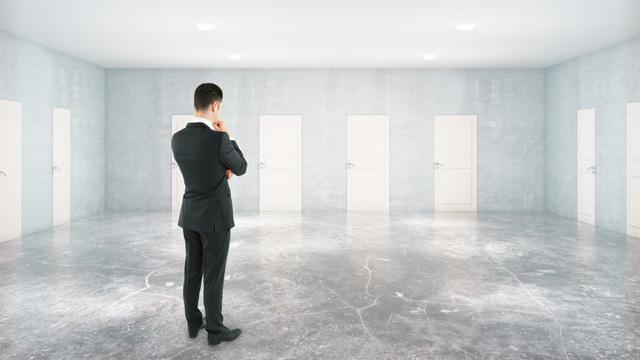 「投資の選択肢が多い」と「投資できなくなる」~マネーハック心理学