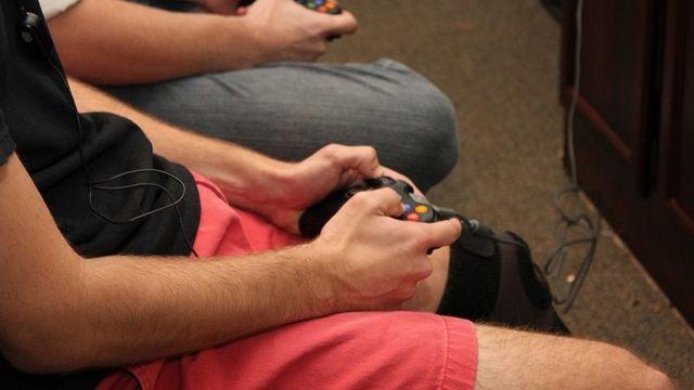 ビデオゲームと失業率に相関あり:研究結果
