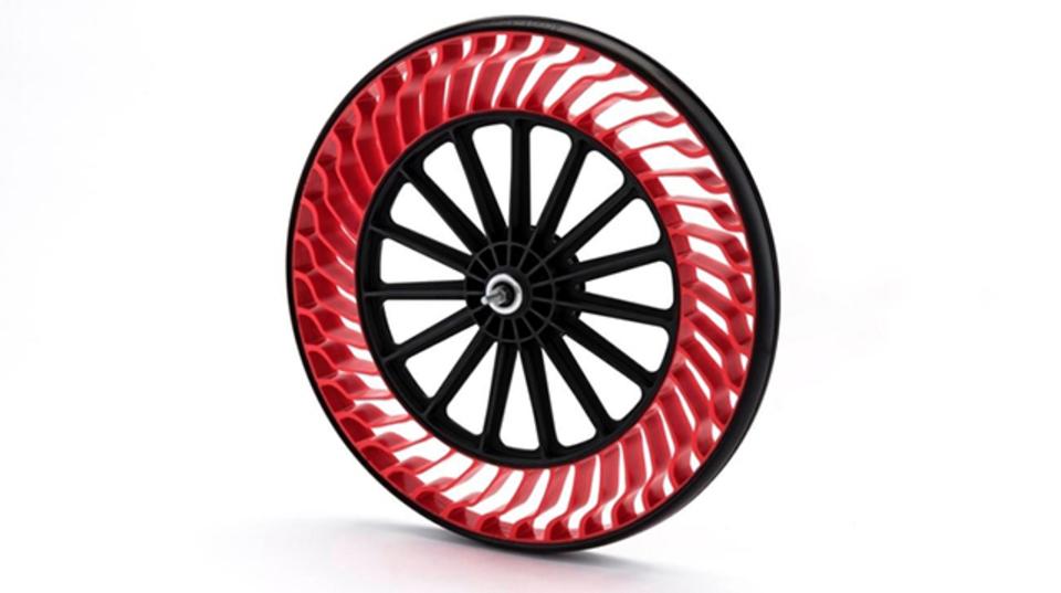 ブリヂストンが開発した「パンク」しないタイヤとは?