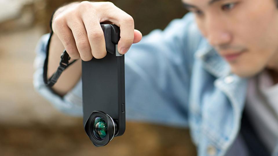 iPhoneに本格カメラの使い勝手を持たせるカバー【今日のライフハックツール】