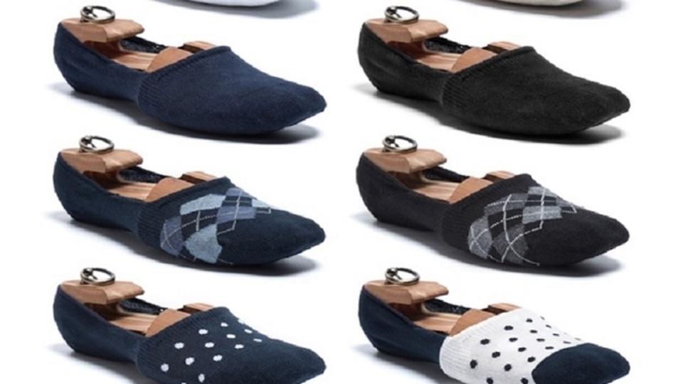 「靴の中で脱げない」試行錯誤し開発したくるぶしソックス