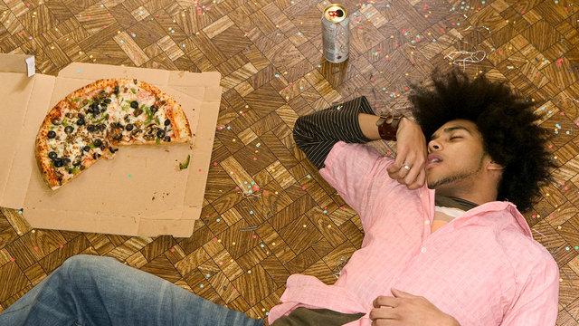 食後の眠気は炭水化物のせい。避けるには、一緒に食べるものを選ぶこと【LHベストヒッツ】