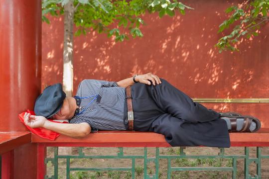 自分にもっと睡眠時間をとるように説得する5つのマインドトリック