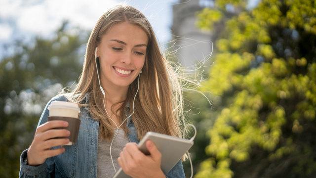 ドラマを見る感覚で英語リスニング力が身につくアプリ