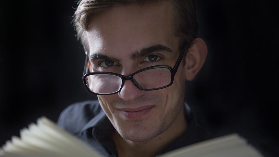 科学的に実証された「自分を実際より賢く見せるテクニック」9つ