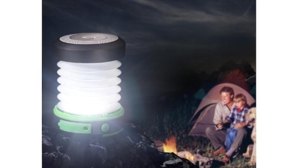 夏のキャンプに最適。たためるランタン「suaoki 3WAY高輝度LEDランタン」がスマート