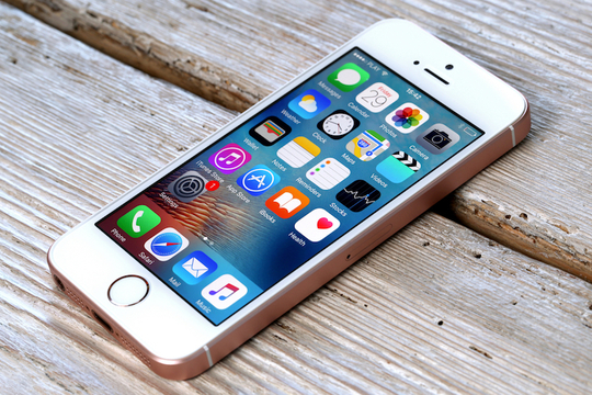 iPhone SEの顧客満足度、iPhone 7、Galaxyを抜いてトップに