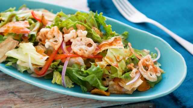 食べても太らない夜食:ドレッシングを野菜ジュースで!「トリプル野菜サラダ」