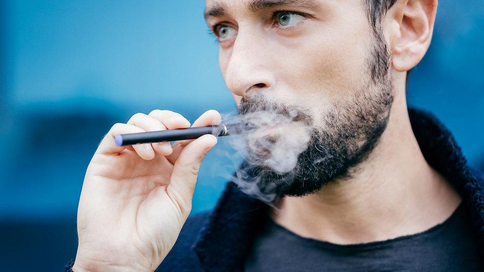 電子タバコの蒸気にも、受動喫煙の害がある