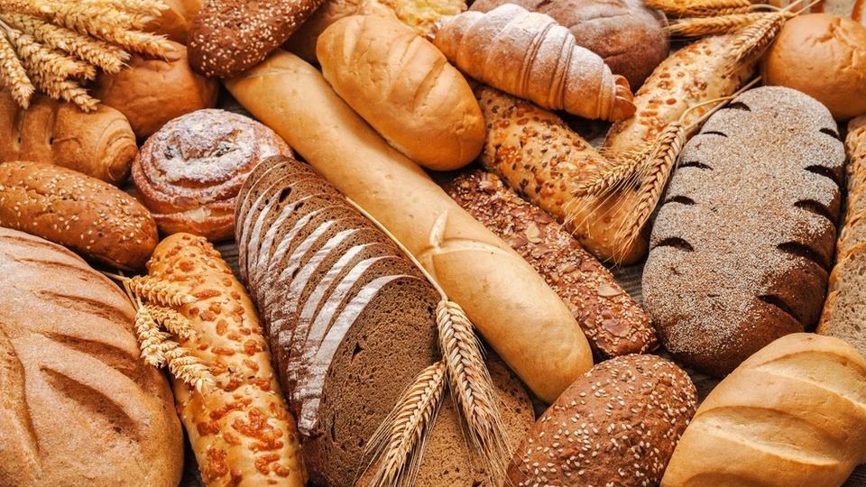 「全粒粉パンのほうが健康に良い」かどうかは腸内細菌で決まる?