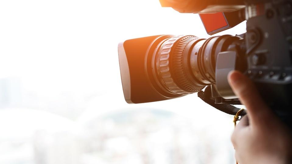 大自然ドキュメンタリーが視聴者を惹き込むために使っているテクニック