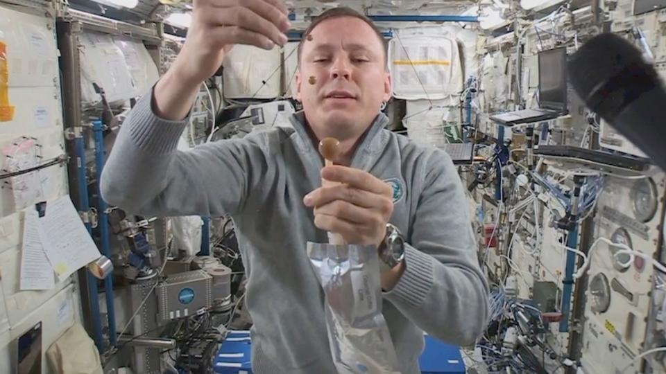 宇宙飛行士が語る、宇宙でのコーヒーの飲み方
