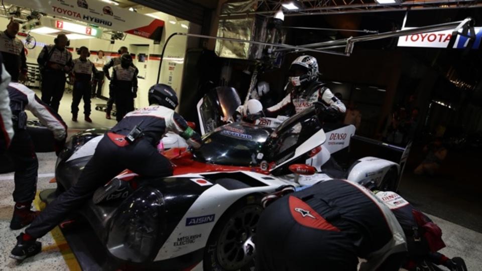 波乱の結末!トヨタがチーム一丸となって残り1台を完走させた、ル・マンに懸ける思い