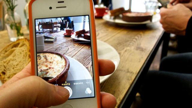 写真共有コミュニティ「EyeEm(アイエム)」に人工知能でベストショットを選ぶ機能が搭載
