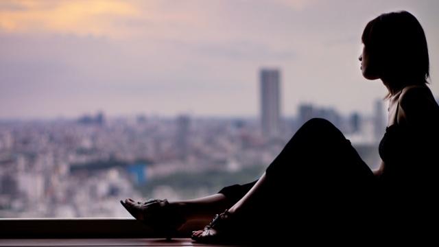 孤独は喫煙と同じくらい健康リスクがあるとの研究結果