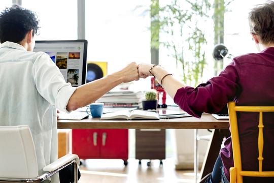 職場でパーソナリティを隠すべきではない4つの理由