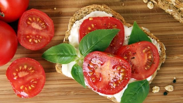 トマトを超新鮮のまま保存する方法