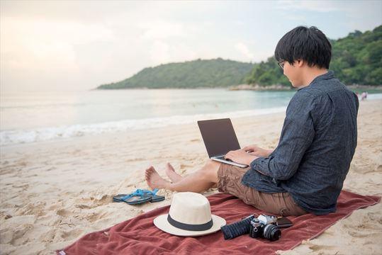 働きながら旅をする! デジタルノマドに不可欠な5つのコミュニケーション術