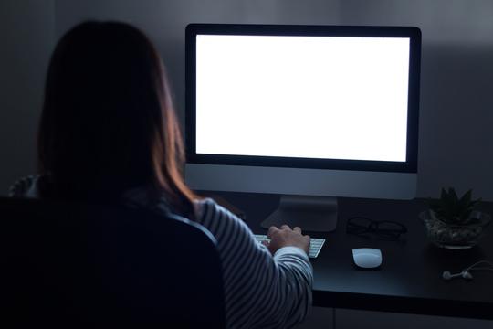 データから見える「就業時間外メール」に関する6つの事実